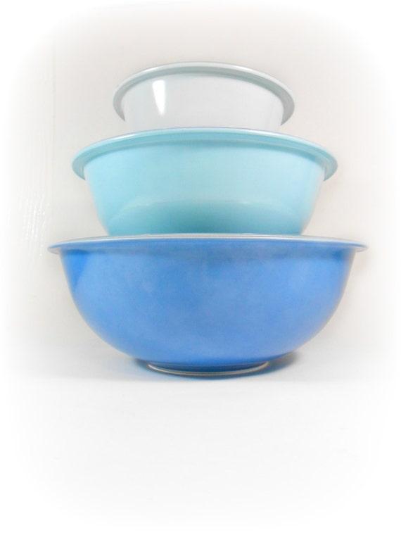 blue pyrex mixing bowls bowl set glass nesting bowls pyrex. Black Bedroom Furniture Sets. Home Design Ideas
