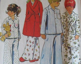 Good Night Sleep Tight Children's pajama with robe pattern set size 3 McCalls 4741