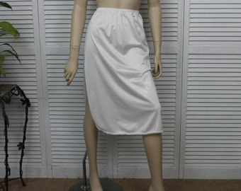 "Vintage White Half Slip Size 25-30"" by Vanity Fair"