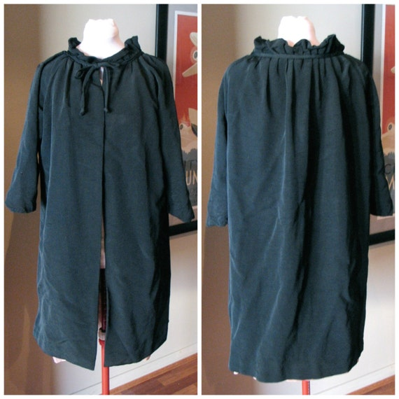 Vintage 1950s Ladies Black Swing Coat with Ruffled Collar