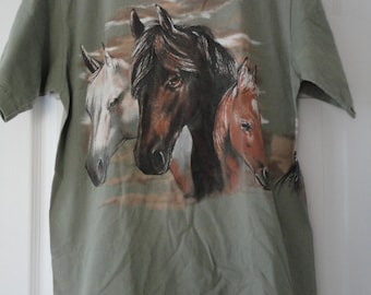 SUMMER SALE Painted Horses 100% Cotton Sage Green Tshirt Size Large Made in the USA