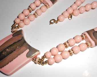 Vintage Runway Necklace in Porcelain pendant Femme fatale pink and gold chunky JAPAN Free USA Shipping 1970s