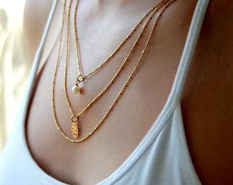 Gold multi strand necklace / Multi chain necklace /gold layered necklace / gold and pearl necklace / Bridal pearl jewelry