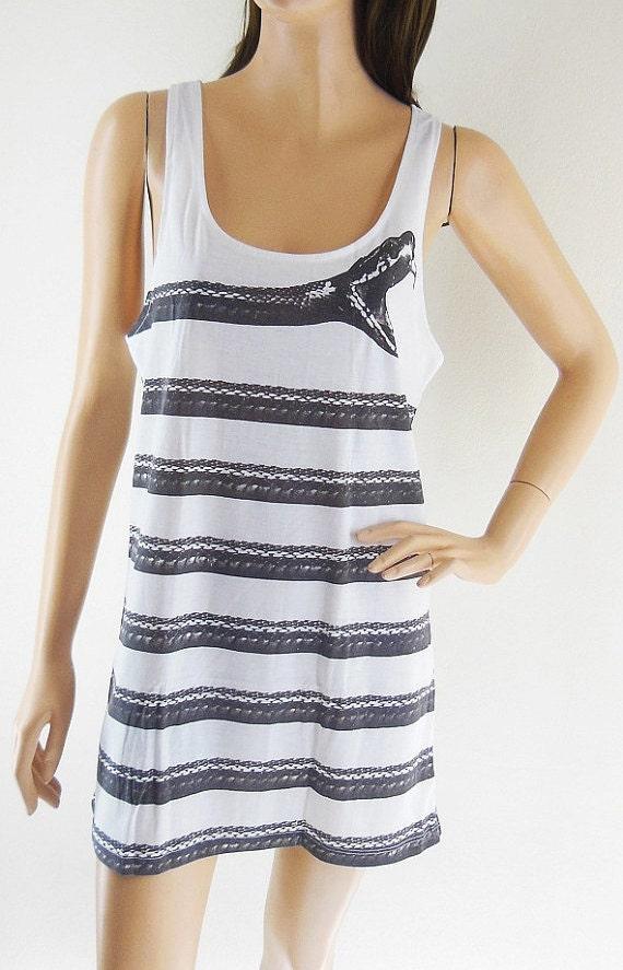 Snake Shirt Animal Tank Top Women Tank Top White Shirt Sleeveless Screen Print Size M