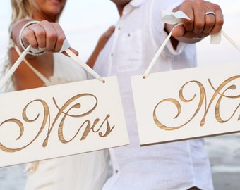 Mr and Mrs Wedding Signs, Wedding Photo Prop,Sweet Heart Table Signs,Mr And Mrs Chair Signs,Laser Engraved Wedding Signs