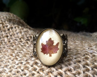 Maple ring -  leaf ring - maple leaf jewelry - filigree ring with pressed leaf cut in maple shape - leaf and glass over beige leather