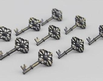 Vintage Key Push Pins Ver 2 - Zinc Alloy Push Pin - Thumbtack - Drawing Pin - Tack - 4 pcs