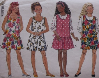 Girls Pullover Jumper and Top / Butterick 6231 /Sewing Pattern / Breast 26-32