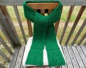 Loom Knitted Kelly Green Scarf - yarnworksandmore