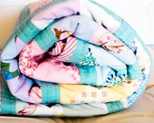 Pinwheel Baby quilt  Lap sized/ Patchwork for children/ Crib quilt/ Throw - Zarkadia