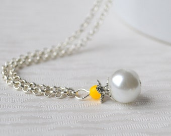 Bright yellow flower girl necklace Yellow bridesmaid gift Yellow wedding color Beaded jewelry Bridesmaid necklace