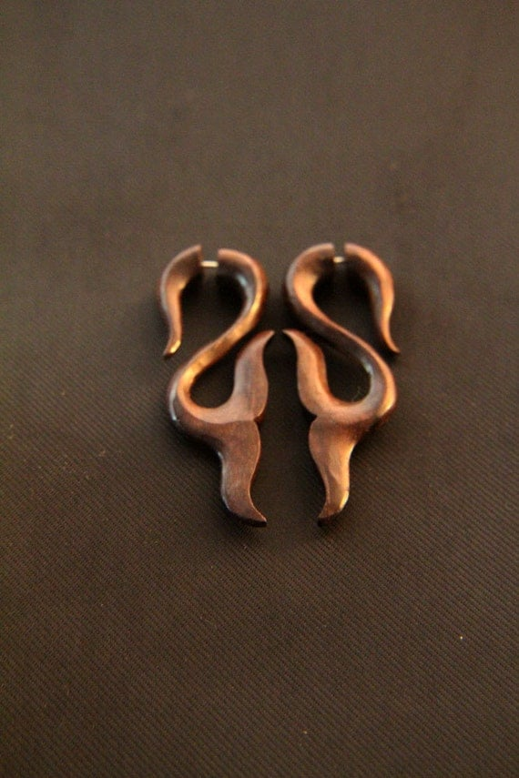 gauges that look like earrings gauges wood earring tribal fish fins carving 9146