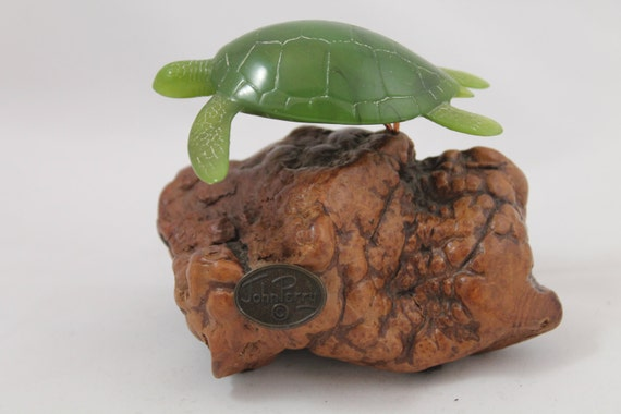 Sea turtle by john perry statue figurine drift