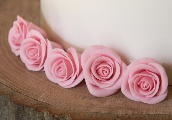 Items similar to 6 Edible pink rose cake toppers, flower ...
