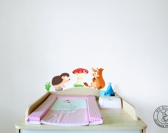 Wall decal squirrel and hedgehog from woodland serie I.
