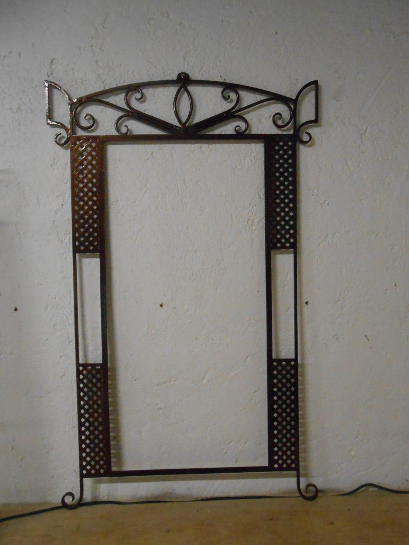 Marco para espejo fabricado en herrer a fina forjado a mano for Marcos plateados para espejos