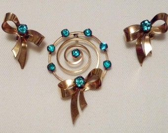 I Michelson bow and spiral Retro gold filled and rhinestone pendant and earrings