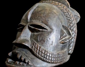 Important Powerful Old Kuba Helmet Mask / Provenance: Emerson Woelffer / African Art (Dem. Rep. Congo)
