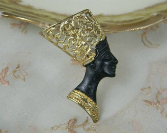ViNTaGe EGYPTIAN PiN BROOCH QuEEN NEFERTITI EGPTiAN ReViVaL BuST