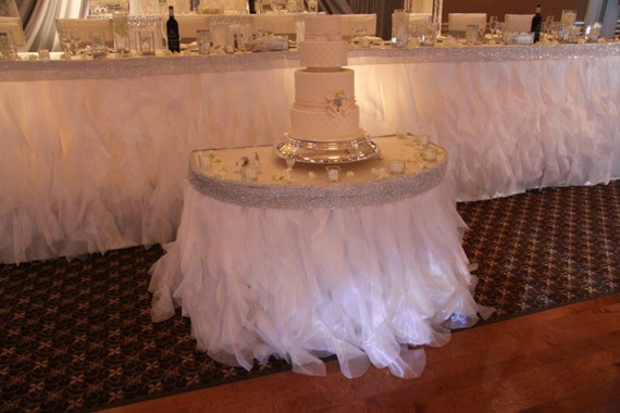 Items Similar To White Organza Ruffle Curly Willow Table