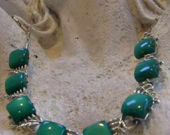 Vintage Signed CORO Emerald Green Thermoset Moonglow Necklace