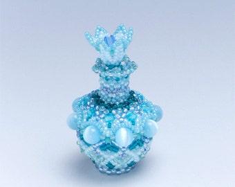 Beaded Decorative Vase, aqua blue flower shaped stopper, bud vase table decoration, Easter decor, Christmas gift ideas, tiny vase, 344