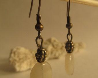 2208 - White Stone earrings