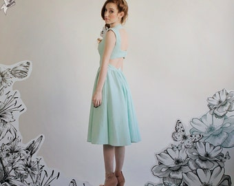 "Seersucker Cut out Dress with Princess Seams and Sweetheart Neckline  ""Jade"""