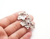 2pcs -Matte Silver Plated Ivy Leaf Charm-50x30mm-(424-026SP)