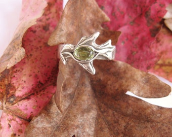 Green Oak ring, peridot and oak leaf gemstone ring, sterling ring,  august birthstone ring, peridot ring, spiritual jewelry