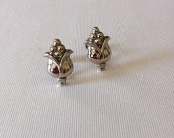 Vintage NEMO Flower Earrings Silver Tone Metal Screw Backs