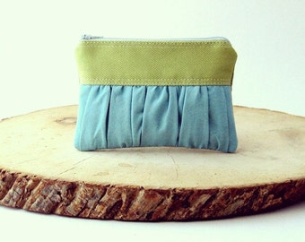 BLACK FRIDAY - The True Romantic Coin Purse in green / light blue - green