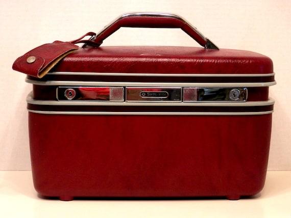 samsonite burgundy train case makeup case by pearlsvintage. Black Bedroom Furniture Sets. Home Design Ideas