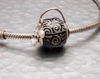 European Charm Bead Lampwork Glass - Black and Ivory Handbag - SRA Artist Handmade Big Hole