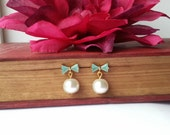 Mint and Gold Bow & Pearl Stud Earrings, Classic Elegance Jewelry, Everyday Style, Feel Good Designs