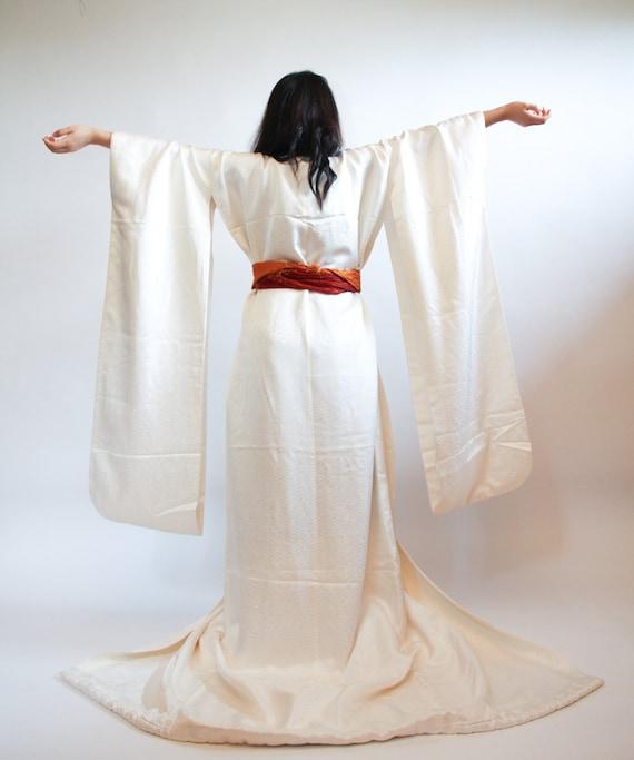 Vintage Japanese White Shiro-Kakeshita Wedding Kimono