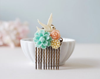 Bird and Flowers Hair Comb. Ivory Bird, Blue Flower, Peach Pink Rose, Ivory Daisy Collage Hair Comb. Wedding Hair Comb, Bridesmaid Gift