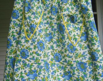 Vintage DAISY APRON Blue & Yellow Flower Floral Retro Kitchen Linens