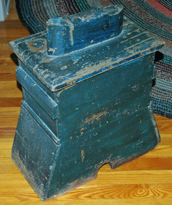 Antique AMERICAN BLUE SHOESHINE Box In Original Paint Late 19th Century Real Country Folk Art, Pine w/ Handles n Removable Lid
