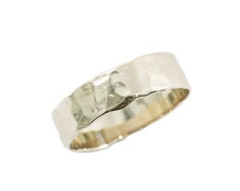 Men wedding band. 14k white gold wedding band. hammered wedding band. Gold wedding ring. Unisex wedding ring. Hammered ring (gr-9303-297).