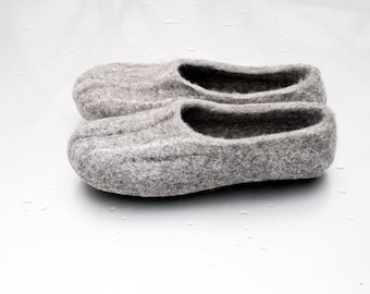 Men's felt slippers Natural Felted wool slippers Gray organic wool house shoes valenki clogs STONE husband gift