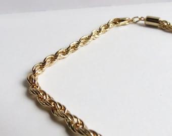 Vintage 18K Yellow Gold Plate Mens Large Woven Braclet. Men's or Women's vintage gold bracelet.