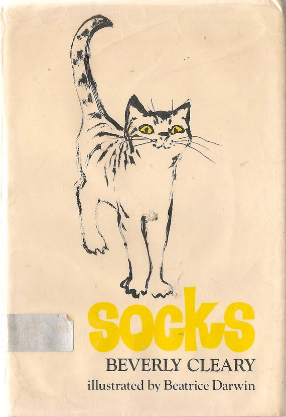 Like this item? - VINTAGE KIDS BOOK Socks Beverly Cleary Beatrice Darwin