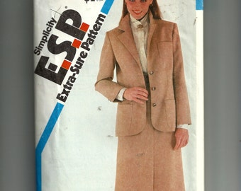 Simplicity Misses'  Slim- Skirt and Unlined Jacket Pattern 5692