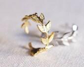 olive leaf ring . delicate leaf ring . adjustable leaf ring . branch ring . twig ring . twig jewelry . leaf jewelry . arwen ring // 4ARWN