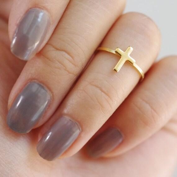 cross midi ring . vertical cross ring . simple cross ring . cross knuckle ring . minimalist ring . cross stacking ring // 4VCRS