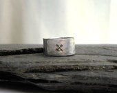 Single Crossed Arrows Ring for HIM, Men's Wide Silver Band, Gift under 30 dollars, Men's Rings