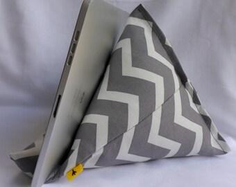 iPad / Kindle Lap Pillow Stand Bean Bag Stand : Gray Chevron