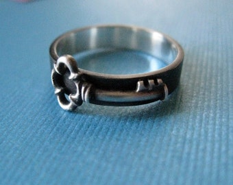 Antique Key Band Ring Sterling Silver Oxidized