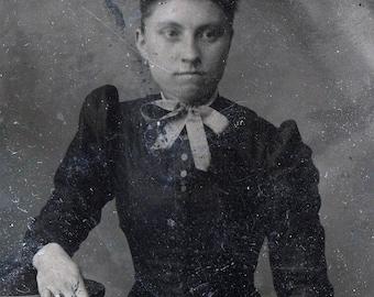 vintage photo Lady with Curly Frizzy Kinky Hair tiny waist tintype
